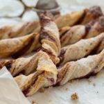 Blätterteig Knusperstangen mit Marmelade
