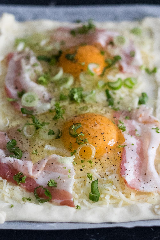 Vor dem Ofen Frühstückskuchen Ei Bacon