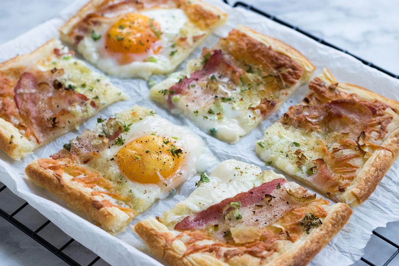 Blätterteig Frühstück Spiegelei Bacon